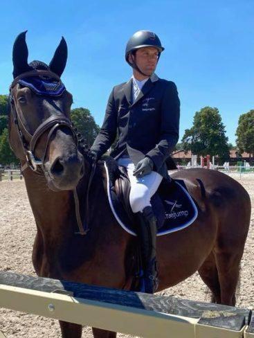 Photo de Simon Dalibert sur son cheval en compétition de CCE FANDREO DE LA BLANCHE