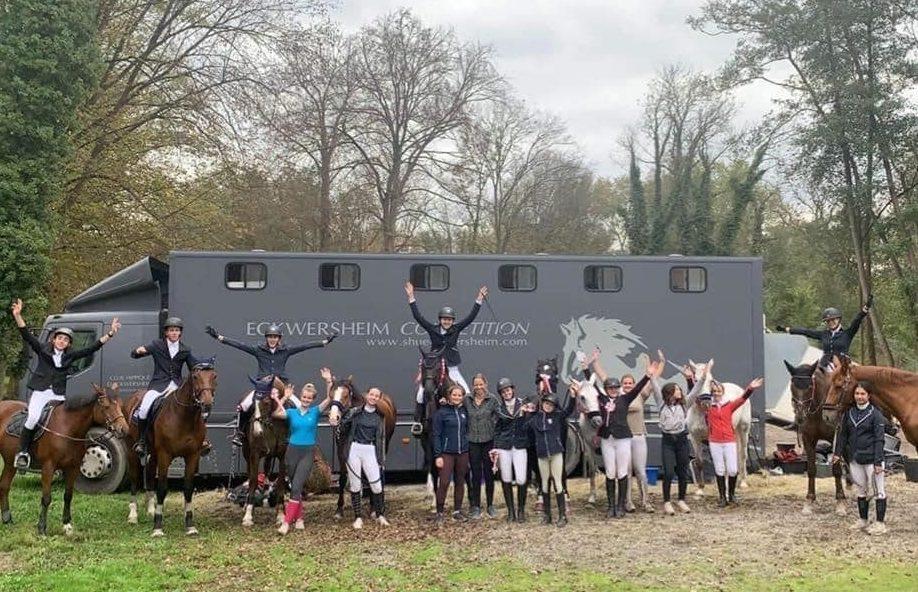 Photo d'équipe concours club et bénévoles du Club hippique Eckwersheim situé près de Strasbourg