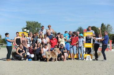 Photo d'équipe des bénévoles du Club hippique Eckwersheim situé près de Strasbourg